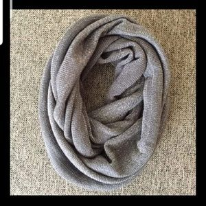Steve Madden grey silver infinity scarf